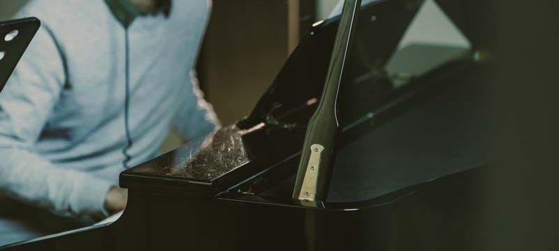 Piano player improvisation