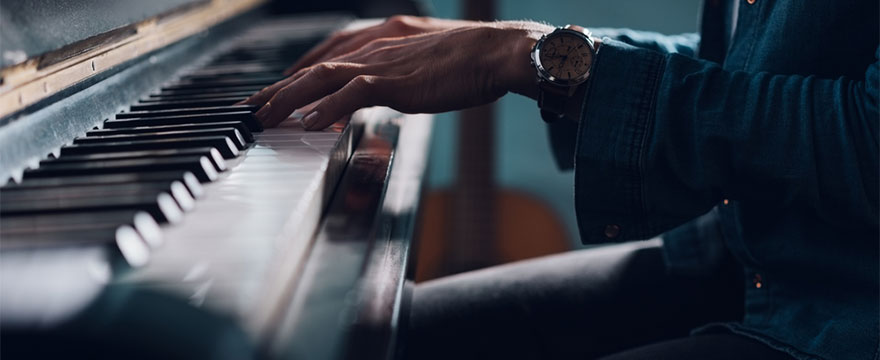 How to play the B flat blues scale on piano