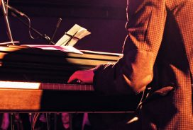 How to play like Jools Holland