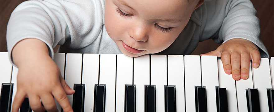 How hard is it to learn to play the piano?